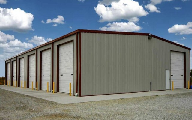 Mechanical and supply construction shelters